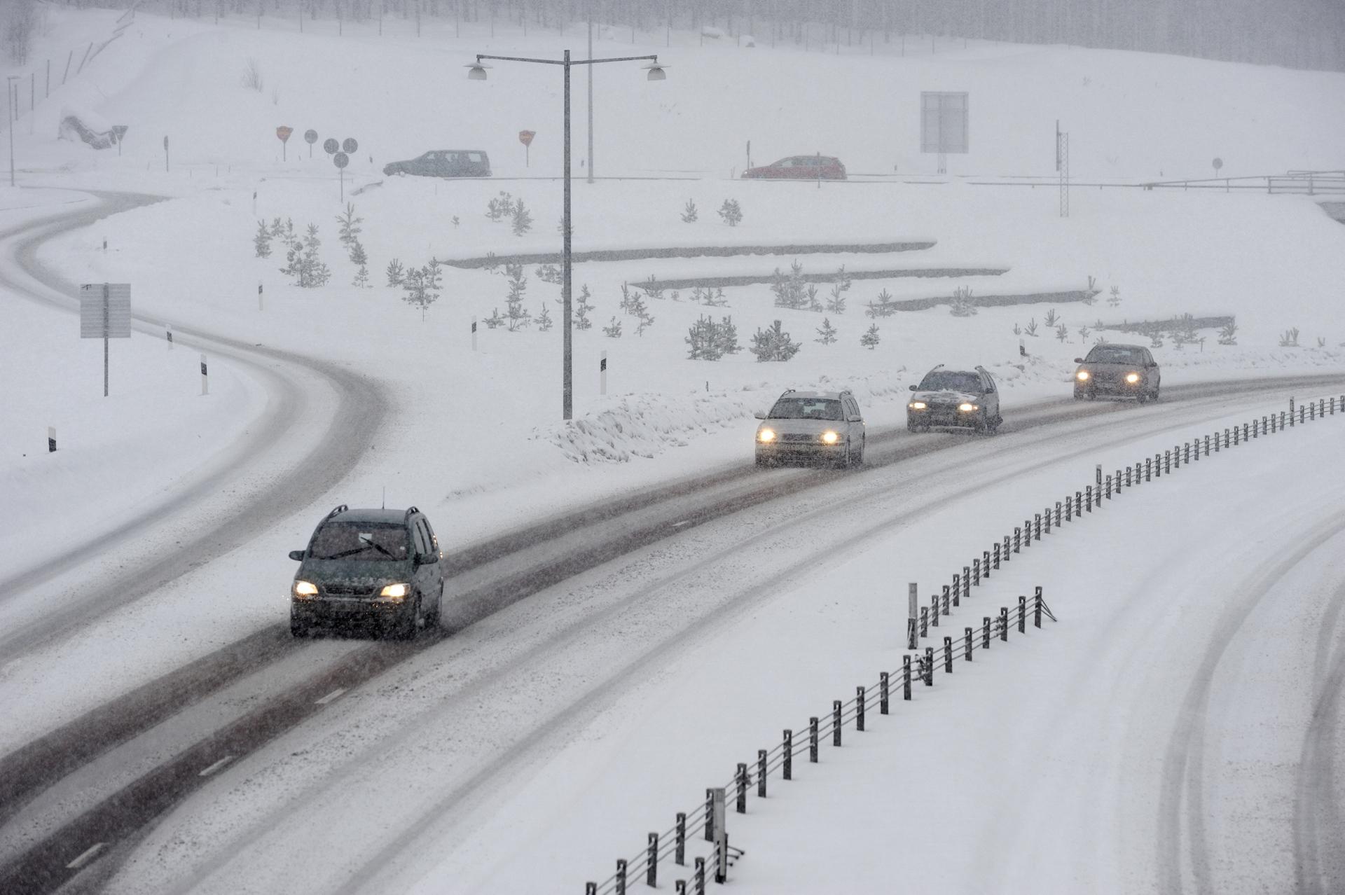 Kör säkert i vinter   Trafiken.nu Stockholm